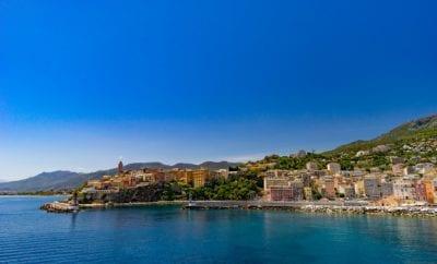 Quel moyen de transport choisir pour aller en Corse ?